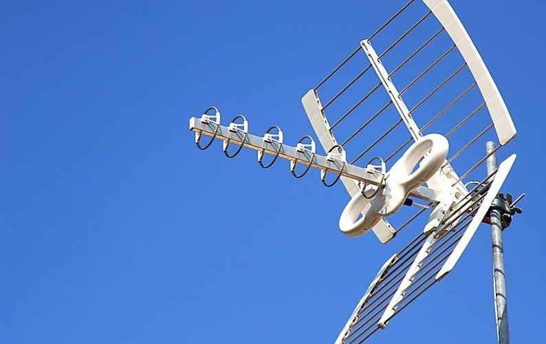Long Range TV Antenna: 5 Best Long Range Outdoor HDTV Antennas