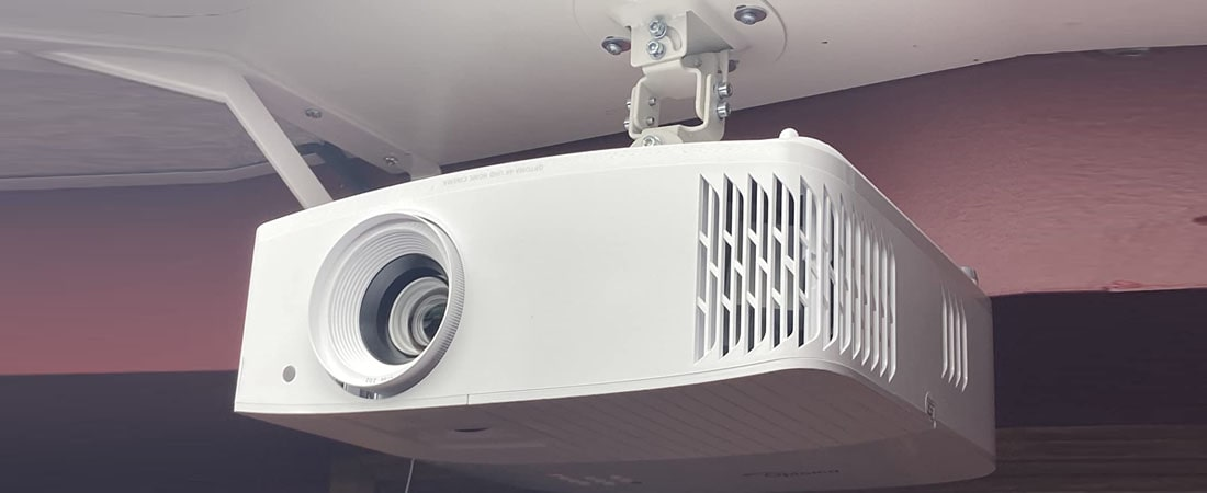 Optoma UHD30 best projector under $!500